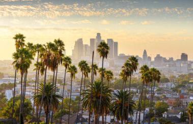 日落时分的洛杉矶市中心